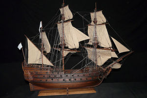LE VILLAGE -  - Boat Model