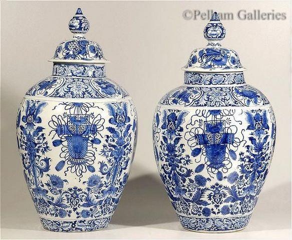 Pelham Galleries - London - Covered vase-Pelham Galleries - London