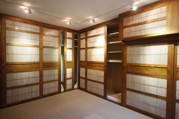Matahati - Internal sliding door-Matahati-Portes teck et bambou sur mesure