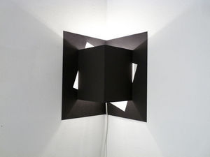 WELL WELL DESIGNERS - pop up cube noir - Wandleuchte
