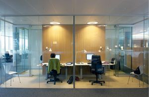 GLASSOLUTIONS France - clip in light - Glasfensterfront