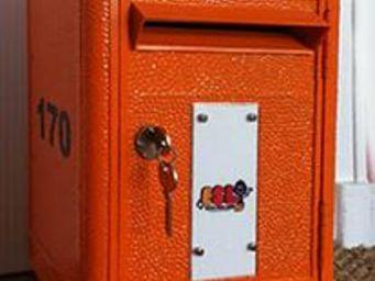LA BOITE JAUNE -  - Briefkasten