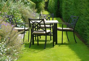 Oxley's -  - Gartentisch