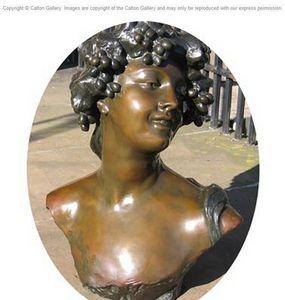 CALTON GALLERY - bacchante, a bust. - Büste