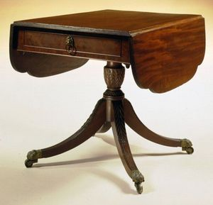 CARSWELL RUSH BERLIN - very fine federal carved mahogany breakfast table - Quadratischer Esstisch