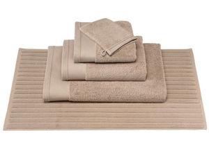 BLANC CERISE - drap de douche - coton peigné 600 g/m² - uni - Badematte