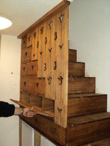 DECO CHALET MONTAGNE -  - Ablage Unter Der Treppe