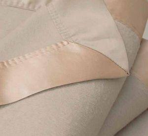 GINGERLILY - silk blanket - biscuit - Decke