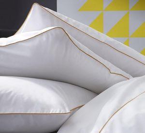 BLANC CERISE - simplicites gourmandes - Kopfkissenbezug