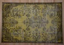 ALTINBOYNUZ HALI KILIM TEXTILE -  - Traditioneller Teppich