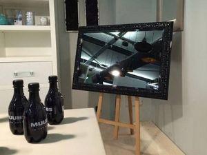 RM  RevMural -  - Spiegelfernseher