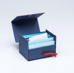 FABRIANO BOUTIQUE - fil rouge business card box  - Briefablage