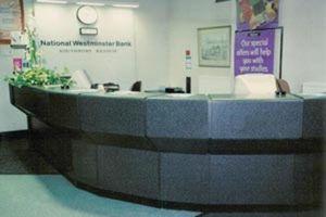 Mentha & Halsall Shopfitters -  - Empfangsbank