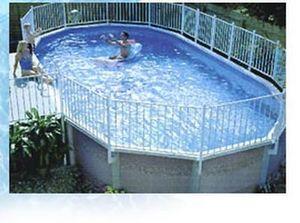 Concept Piscine Design - vignoble 48 - Pool Mit Stahlohrkasten