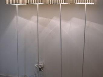 Voila Ma Maison - lampadaire cubique toile à matels chiffres - Kinderstehlampe