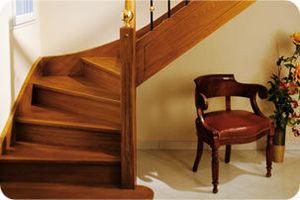 Botemo -  - Viertelgewendelte Treppe