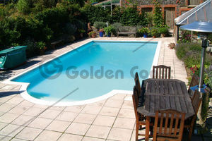 Golden Coast -  - Traditioneller Schwimmbad