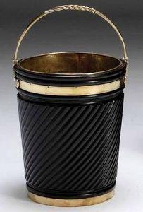 The English House - peat bucket - Kohlenkübel