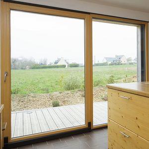 K Par K -  - Glasfensterfront