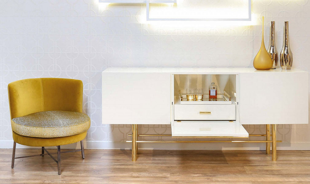 ANA ROQUE INTERIORS Mueble bar Bar Mesas & diverso  |