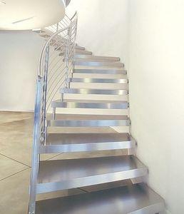 Escalera con tramo curvo