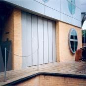 Puerta de garaje plegable