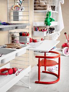 Mesas y escritorios para niño