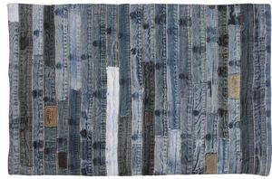 Aubry-Gaspard - tapis en jeans recyclé ceintures - Alfombra Contemporánea