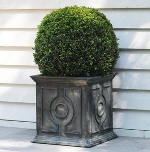 A PLACE IN THE GARDEN - belgian circle planter - Maceta Para Árbol