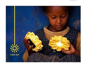 LITTLE SUN -  - Lámpara De Mesa Para Niños