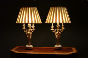CAVENDISH FINE ARTS -  - Lámpara Con Pantalla