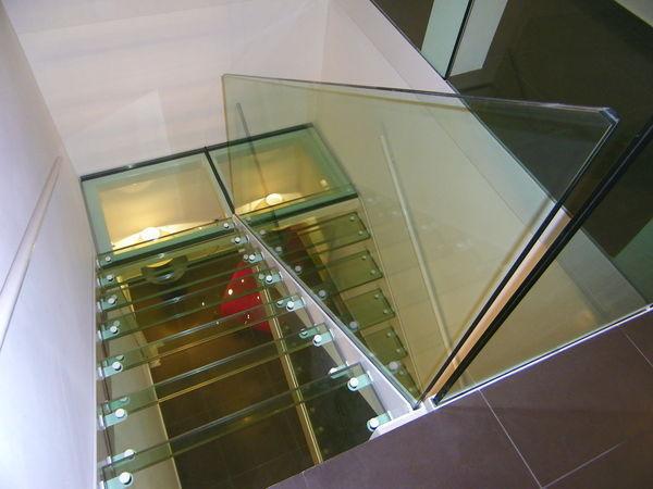 TRESCALINI - Escalera de doble tramo-TRESCALINI-Elite : escalier demi tournant acier et verre
